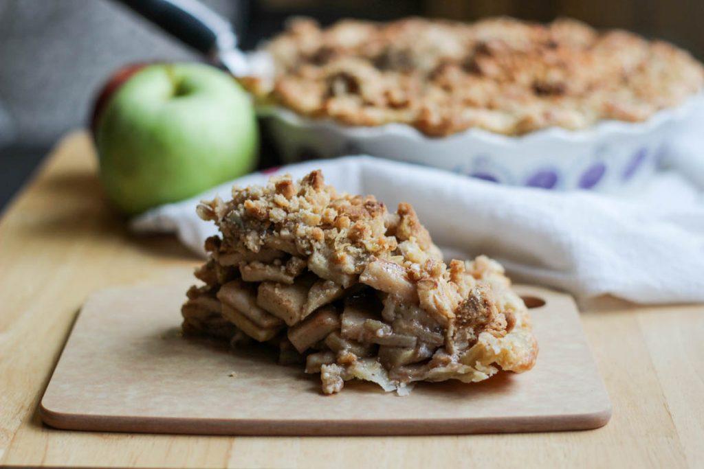 Chai Spice Apple Crumble Pie